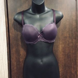 Chantelle 32DD push up bra